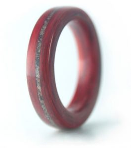 eco-friendly wooden rings